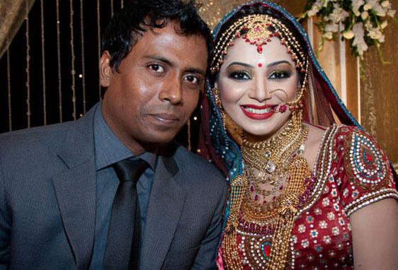 Prova with present husband Shanto
